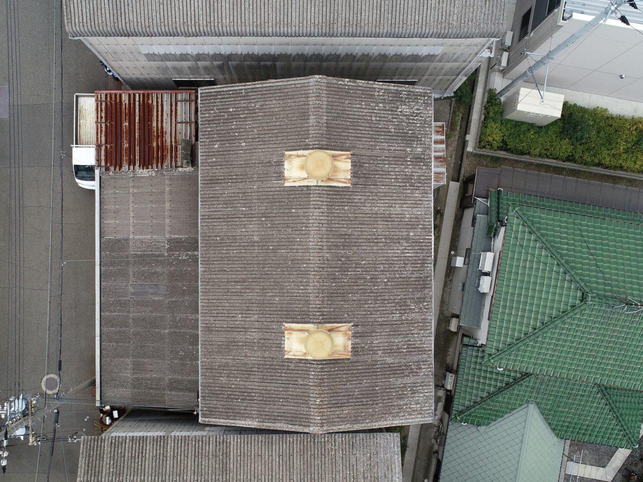 倉庫の屋根