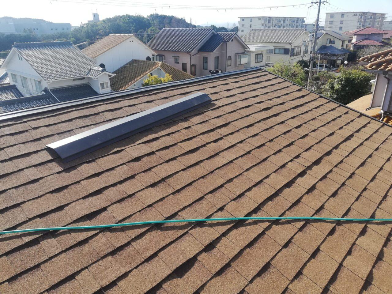 屋根材をしっかりと止付けます